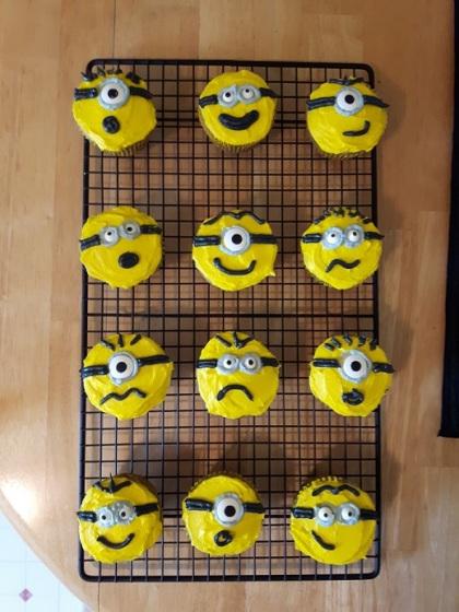 Minion Cupcakes 1